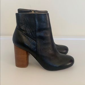 Chinese Laundry black battle field booties, sz 8.5